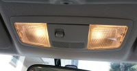 車の室内灯、ルームランプを電球色のLEDに交換した