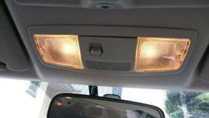 マップランプを電球色LEDに交換後