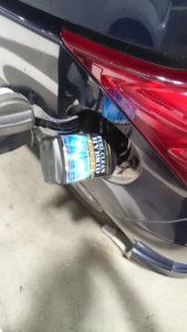 ガソリンスタンドで添加中