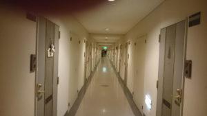 リゾートマンションの廊下