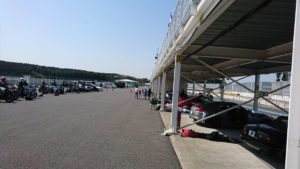 袖ヶ浦フォレストレースウェイの駐車場