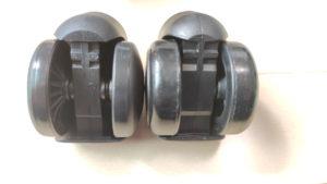 左がナイロン製、右がウレタン製